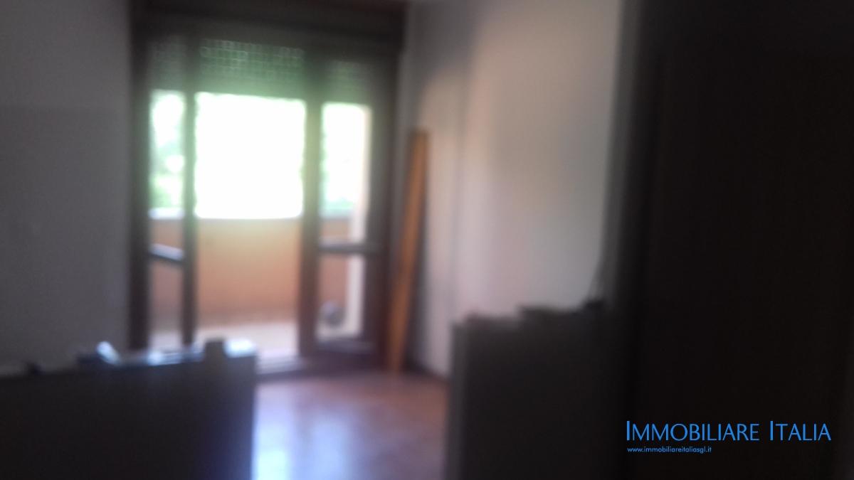 Appartamento in affitto a San Giovanni Lupatoto, 5 locali, prezzo € 650   CambioCasa.it