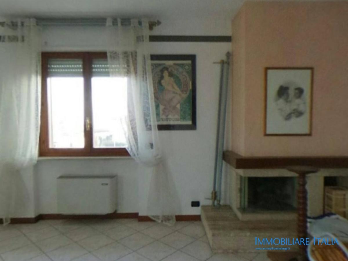 Vendita appartamento san giovanni lupatoto tricamere in signorile palazzina centrale in san - Arredo bagno san giovanni lupatoto ...